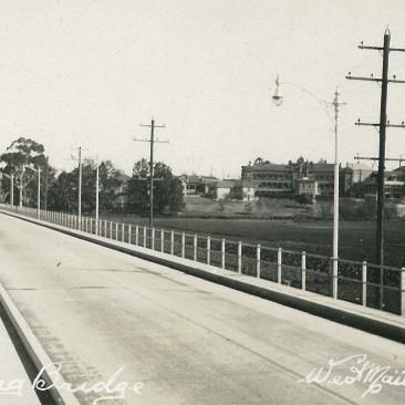 the Long Bridge, c.1940Crossing the Long Bridge c.1910