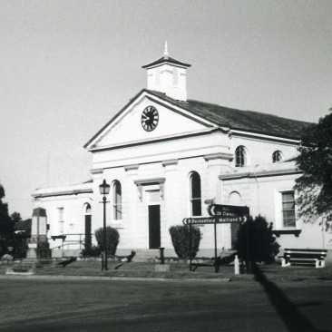 Morpeth Courthouse.jpg