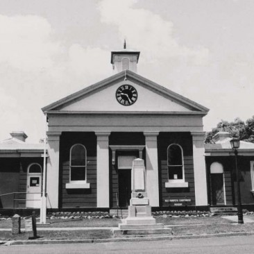 Morpeth Courthouse 1994.jpg