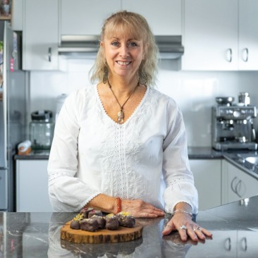 Lockdown gave Megan the time to reinvent herself in the food industry. She combined her passion for food and wellness into making chocolate treats.