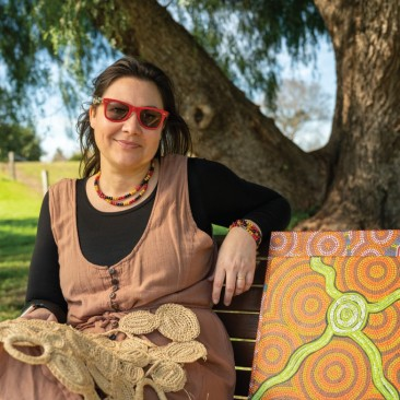 Even though Nina Ross was busy working working during the lockdown as a teacher, she found time to slow down and embrace her culture by learning a new hobby. Nina learnt how to weave using natural materials and create Indigenous artwork