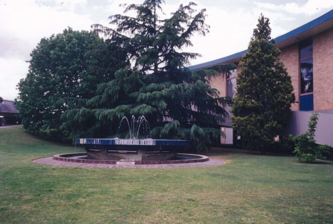 Front of Maitland City Library in 1998.
